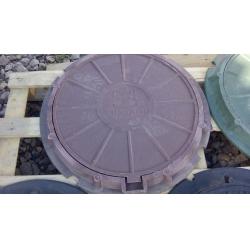 Люк полимер-песчаный для колодца/септика (А-15) 570/730 Красный